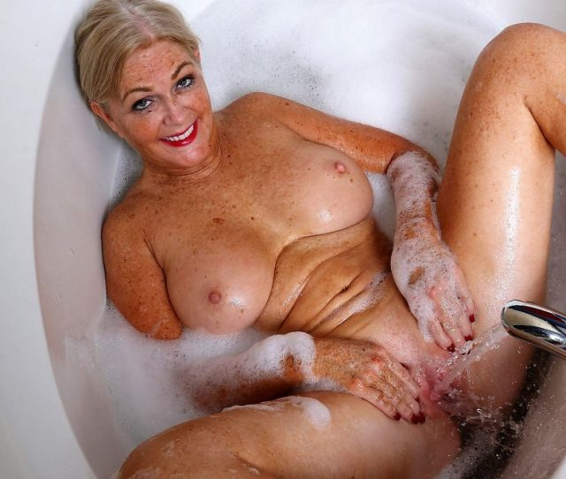 Hot Naked Milfs Sexy Mature Mom