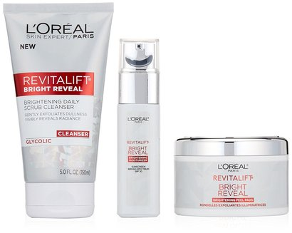 l'oréal paris revitalift bright reveal skincare gift set with scrub cleanser, exfoliating peel pads, spf30 moisturizer and overnight moisturizer