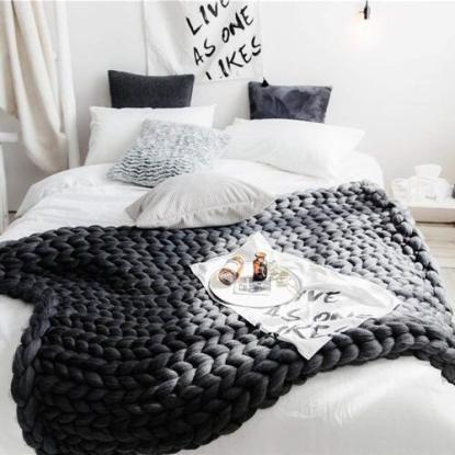 EASTSURE Chunky Knit Wool Throw Blanket