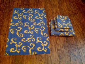 2 pillow cases, 1 bed sheet and 1 fitted sheet.