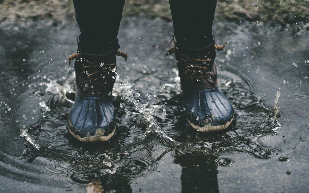 How to protect leather boots from rain