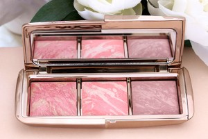 Hourglass-Blush-Palette-open-2