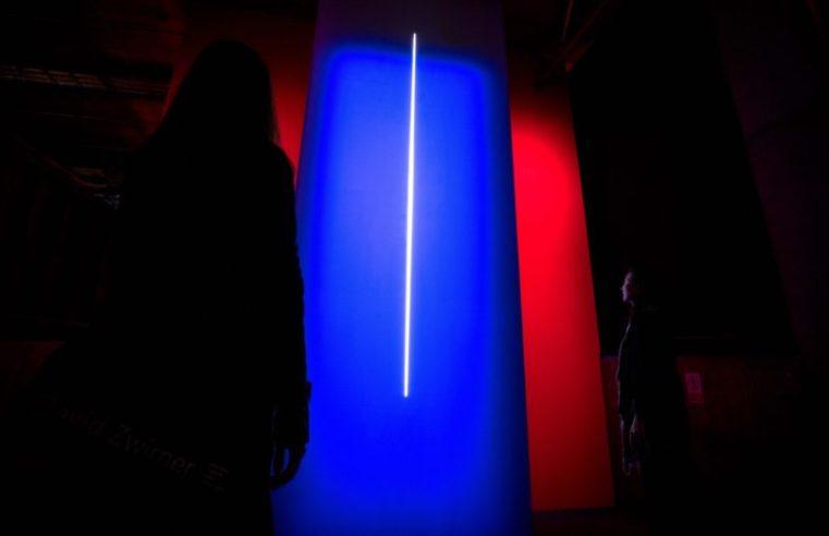 LUX: Es Devlin – 'BLUESKYWHITE'