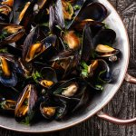can-dogs-eat-mussels