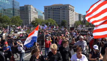 Thousands of Trump Supporters at the #UNSILENTMAJORITY Rally in D.C. — Police Quickly Shut Down Violent Antifa/BLM Saboteurs
