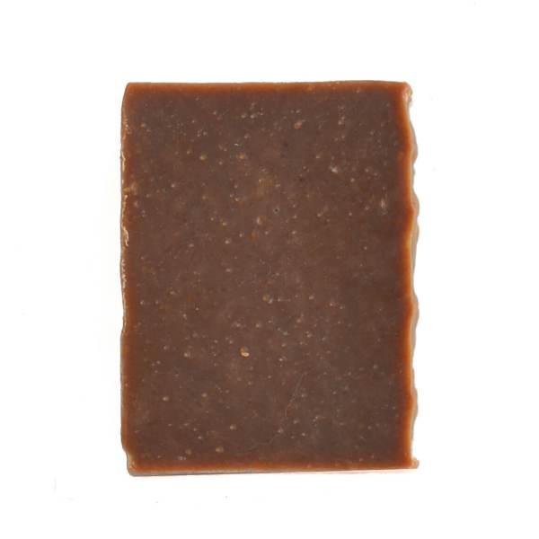 sabonete de chocolate artesanal em fundo branco