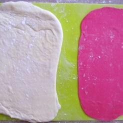 on étale les 2 pâtes à la même taille