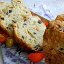 Cake aux olives, thon et feta de Samar