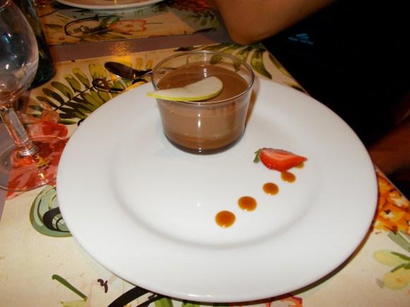 Crème au chocolat sur biscuit au caramel au beurre salé