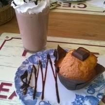 Milkshake Banane-nutella et muffin citron-chocolat