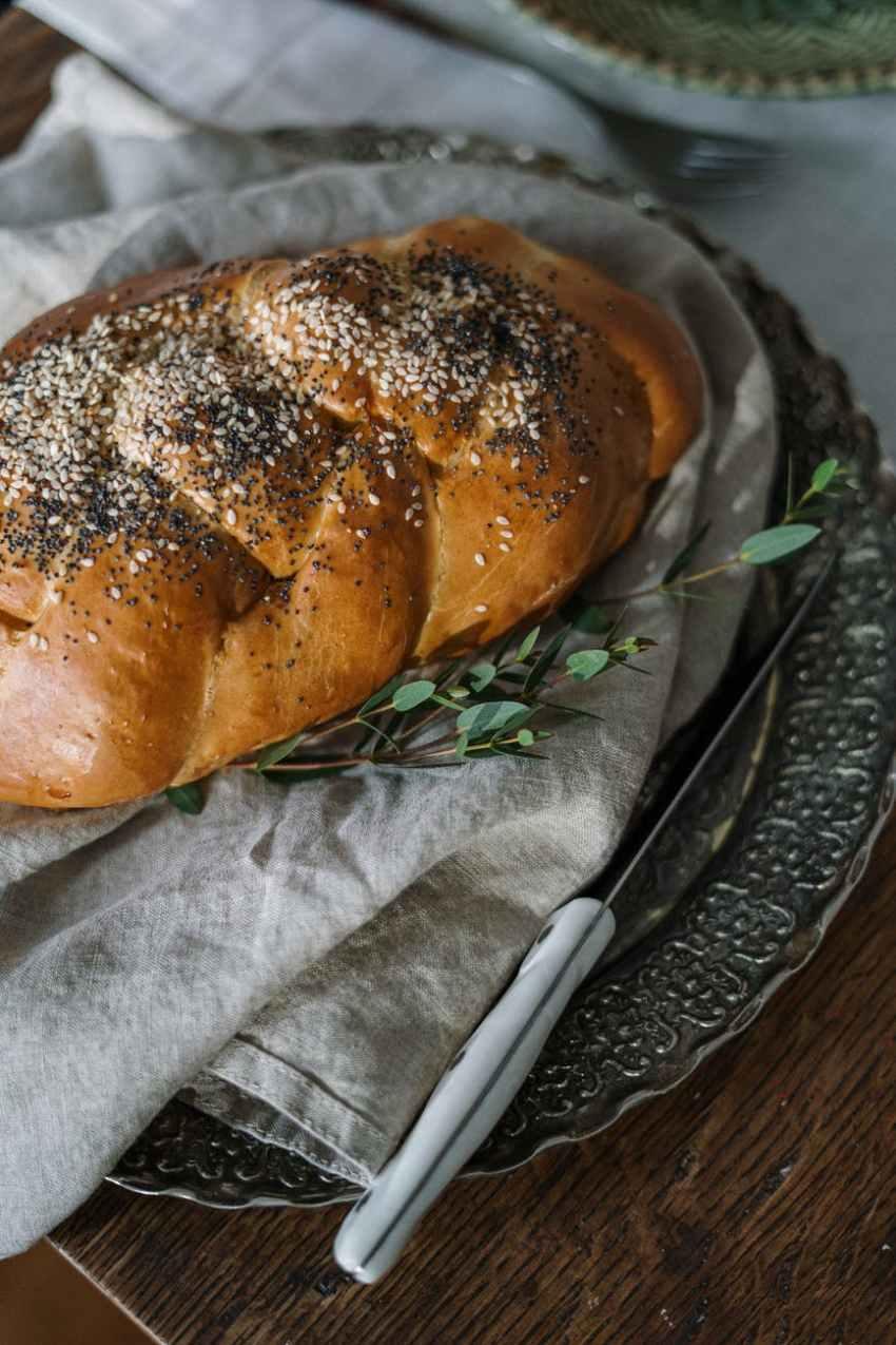 traditional jewish bread
