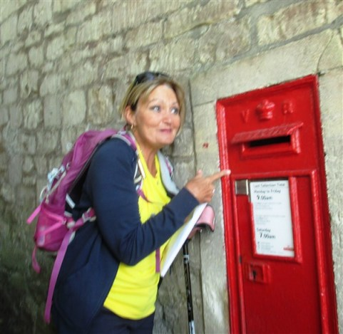 Off we go along Cleveland Walk - and what have we found?! A QV Wall box, one of many QV's boxes in Bath