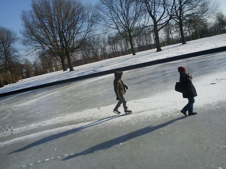 On the ice of slotervart near Jan van Zutphenstraat