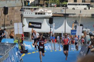 Totta last time up Slottsbacken, Stockholm Triathlon 2014