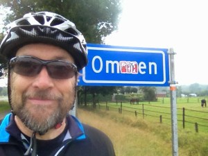 Selfie with Ommen sign