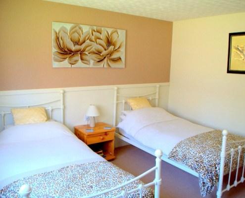 Torcroft Lodges Lodge 4 Twin Room