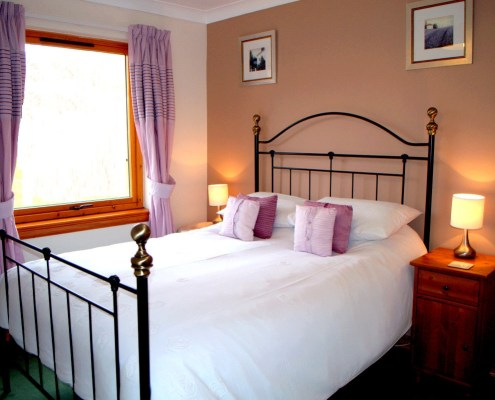 Double Bed in Meiklie Lodge