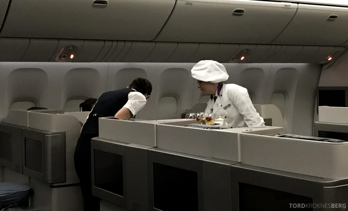Turkish Airlines Business Class Istanbul Jakarta servering