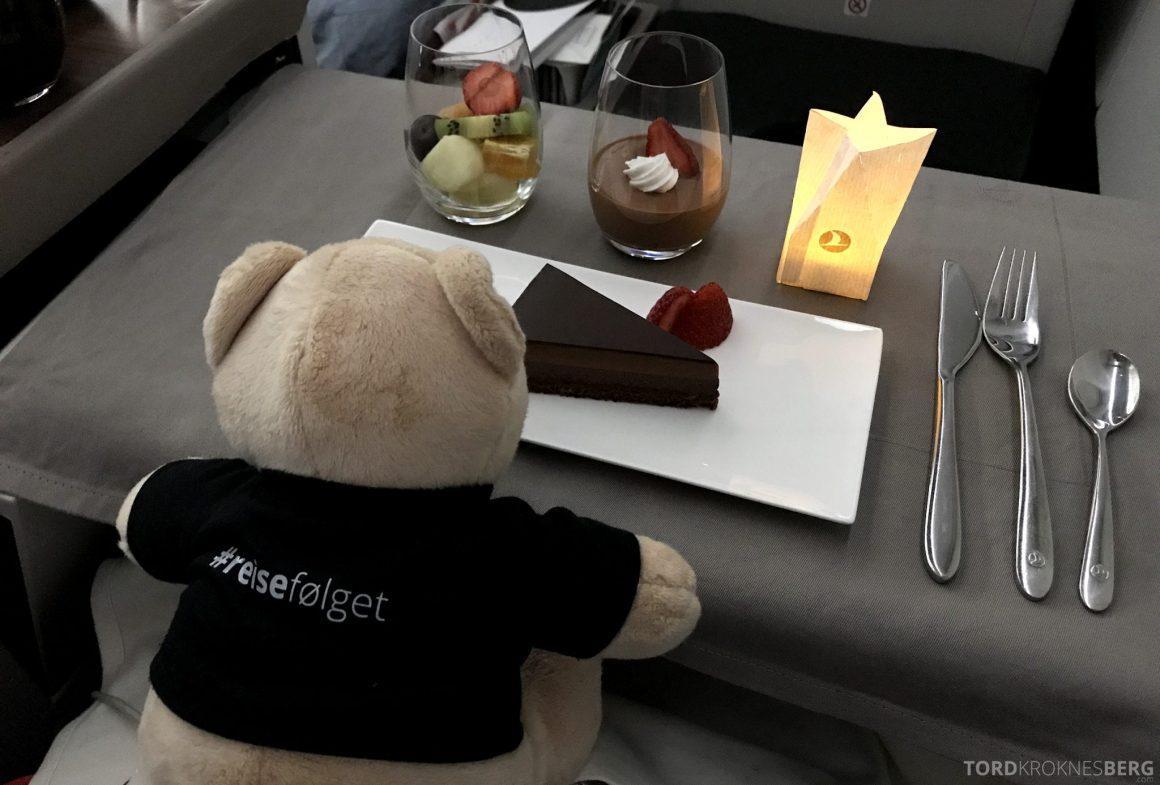 Turkish Airlines Business Class Istanbul Jakarta reisefølget dessert