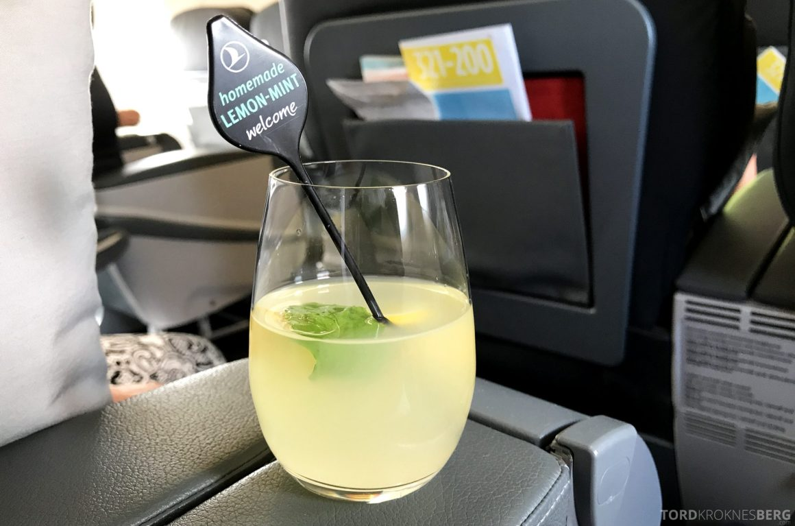 Turkish Airlines Business Class Oslo Istanbul drink limonade