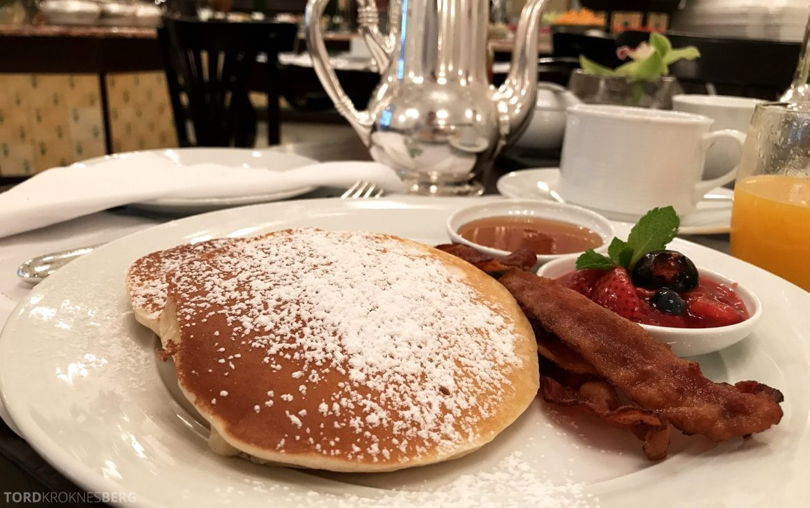 Raffles Hotel Singapore frokost pannekake