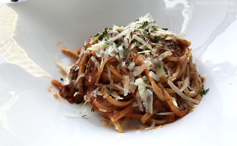 Restaurant Lobo Ritz-Carlton Jakarta pasta bolognese