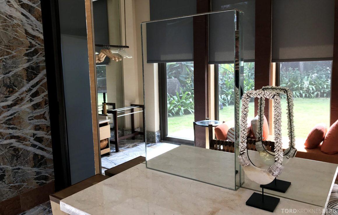 Ritz-Carlton Bali Suites presidential suite walk-in closet