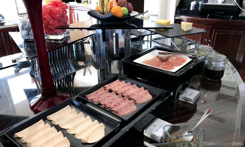 Ritz-Carlton Jakarta Club Lounge frokost