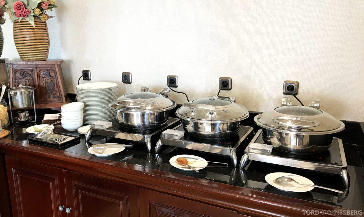 Ritz-Carlton Jakarta Club Lounge varmretter