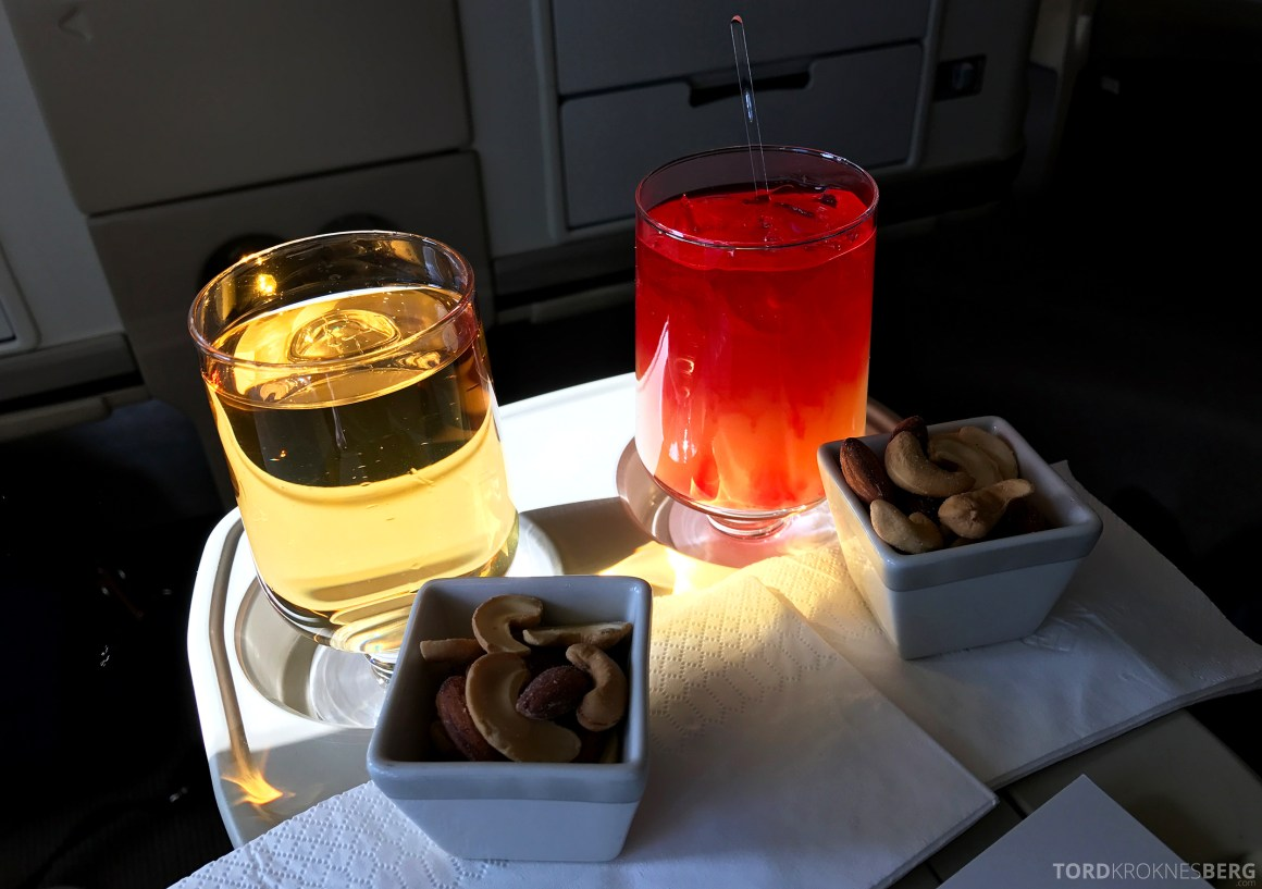Singapore Airlines Business Class Canberra Wellington aperitiff