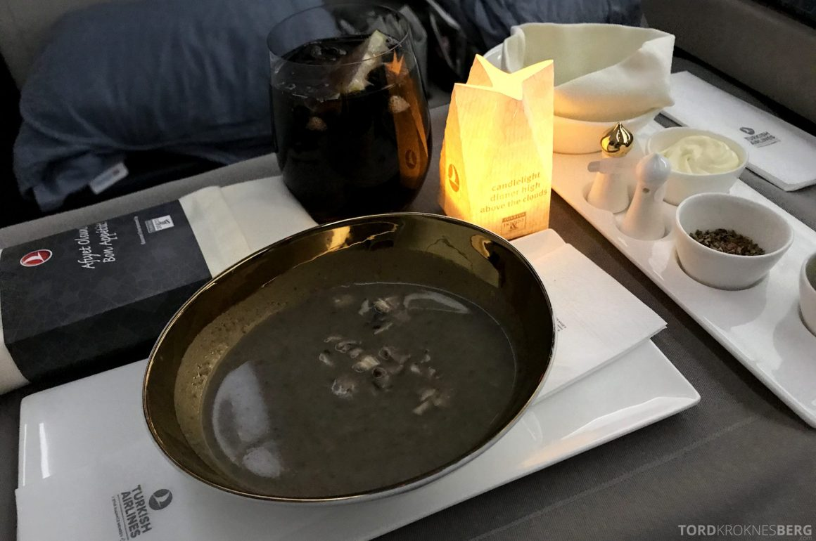 Turkish Airlines Business Class Jakarta Istanbul suppe forrett
