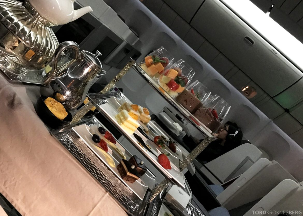 Turkish Airlines Business Class Jakarta Istanbul desserttralle