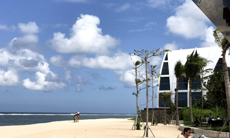 Ritz-Carlton Bali strand og kapell