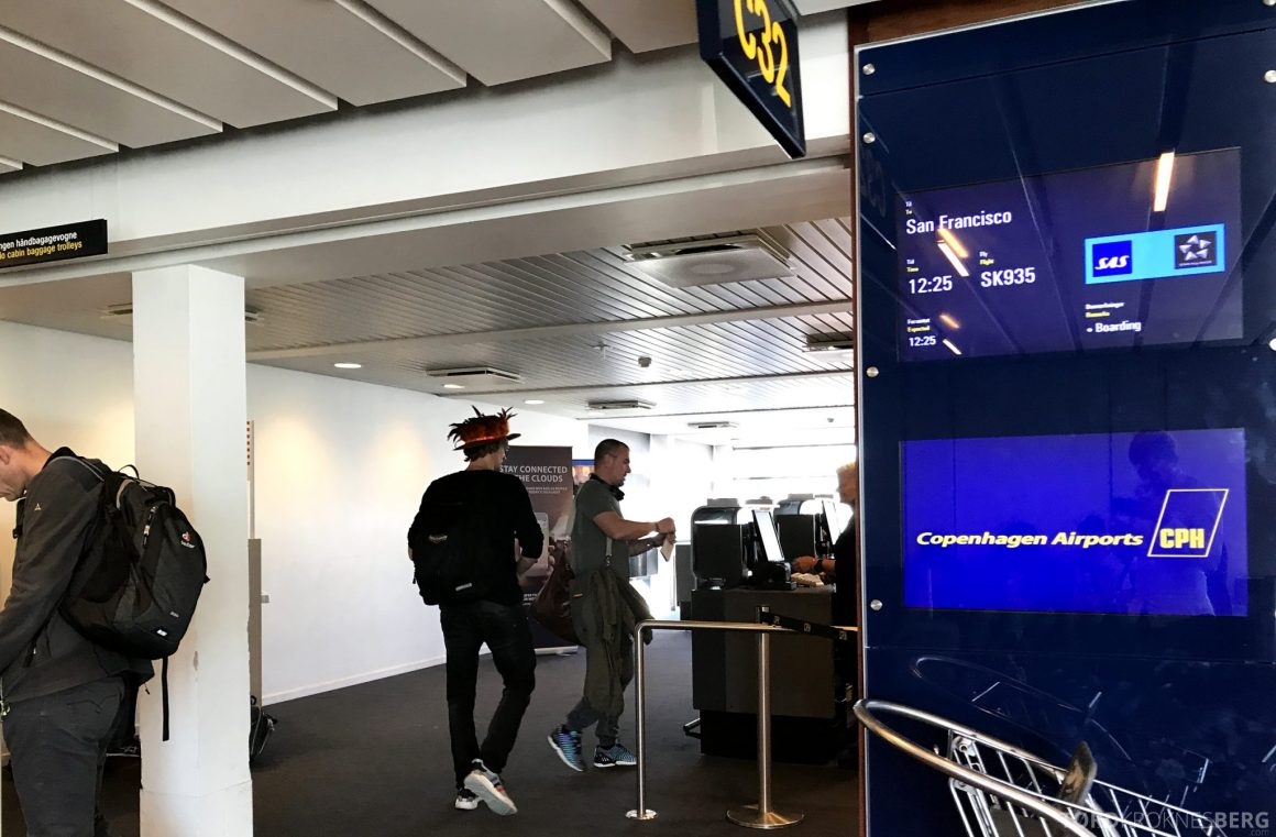 SAS Plus Oslo San Francisco gate