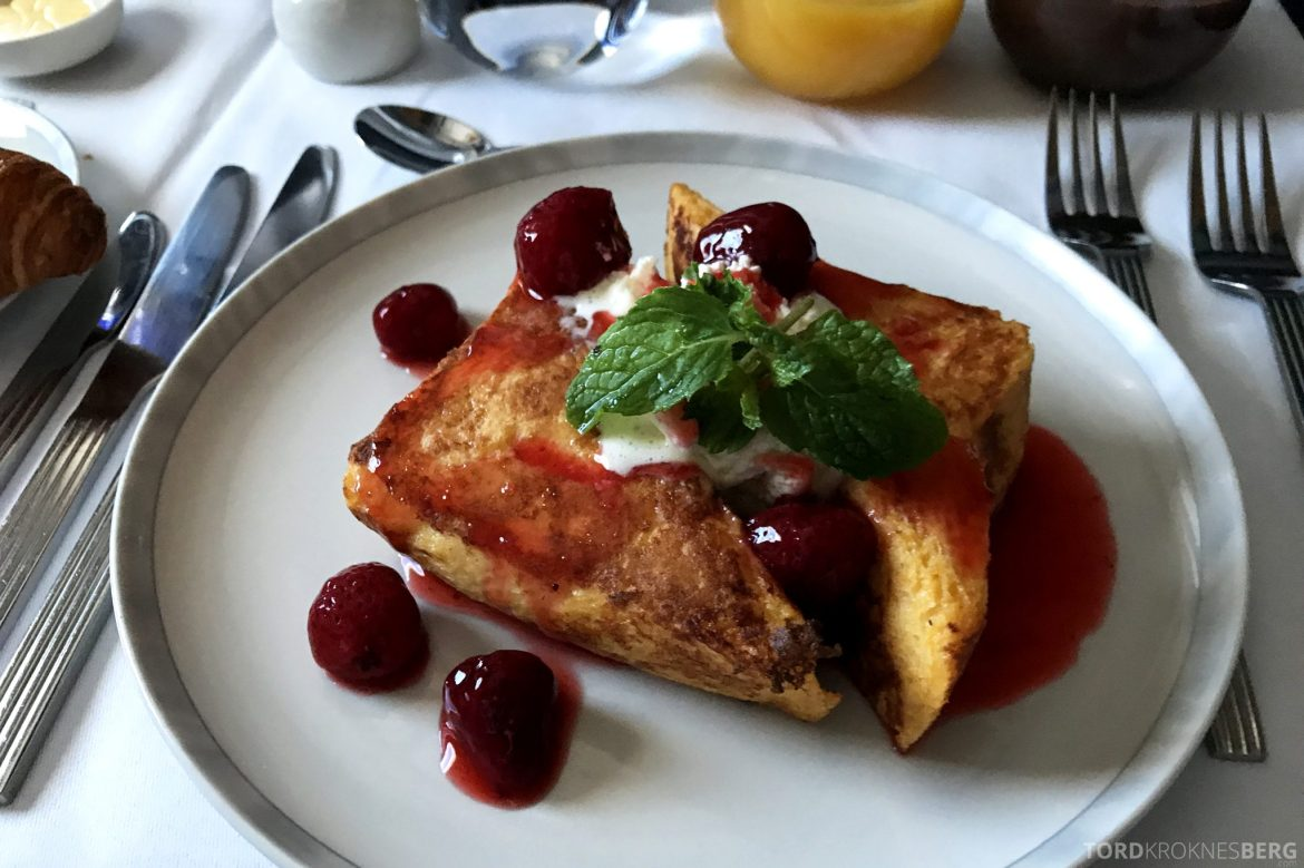 Singapore Airlines Business Class Moskva Stockholm french toast