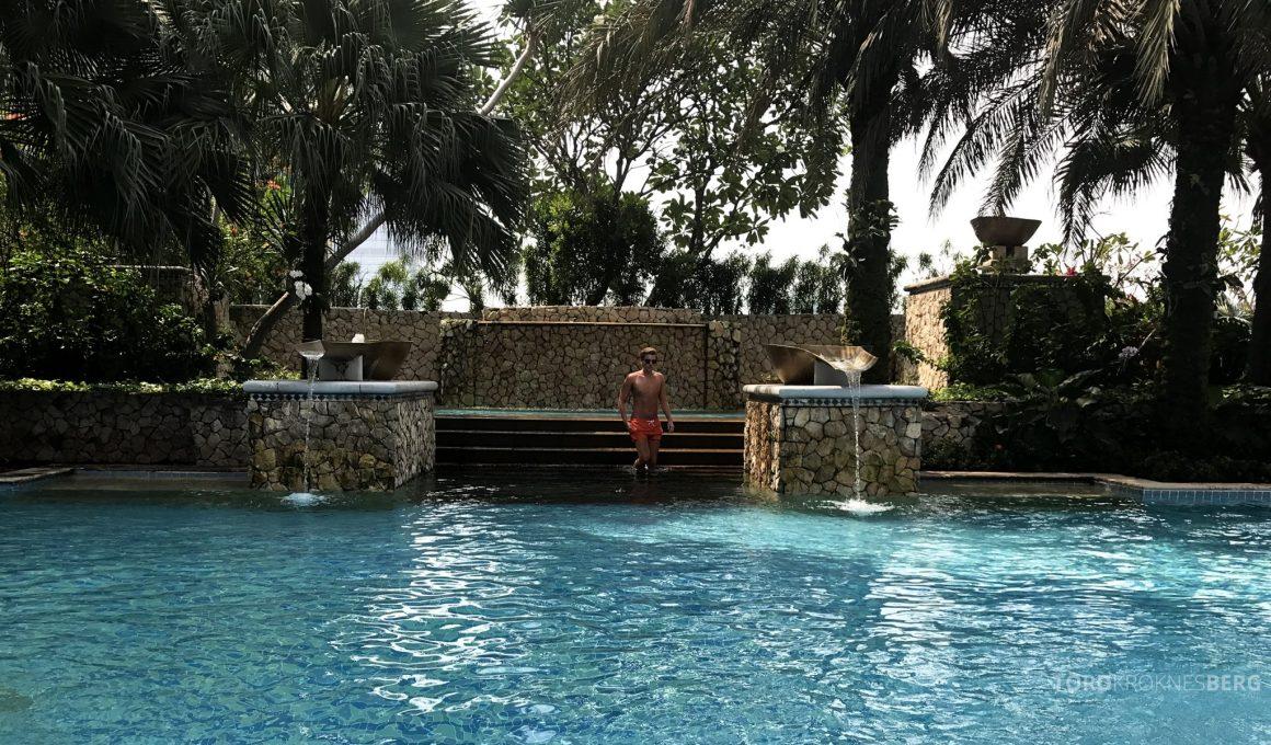 Ritz-Carlton Jakarta bassengområde Tord Kroknes Berg