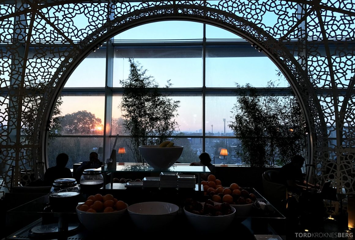 Turkish Airlines CIP Lounge Istanbul soloppgang