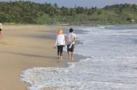 Menyusuri pantai Ciantir berdua
