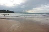 Pantai Lagon Pari yang landai