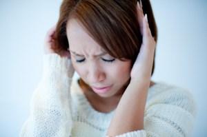 頭痛、女性3