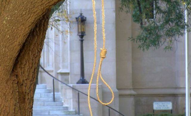 Seven Nooses Found Hanging From Trees in Mississippi State Capitol