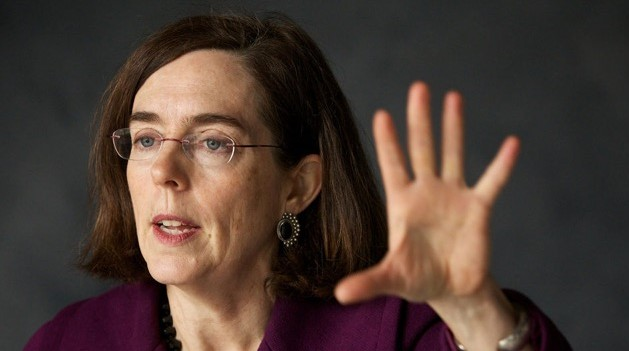 911-OREGON: Gov. Kate  is Arresting GOP Senate for Not voting for Climate Change Law