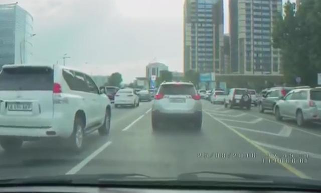 渋滞でのろのろ・・・
