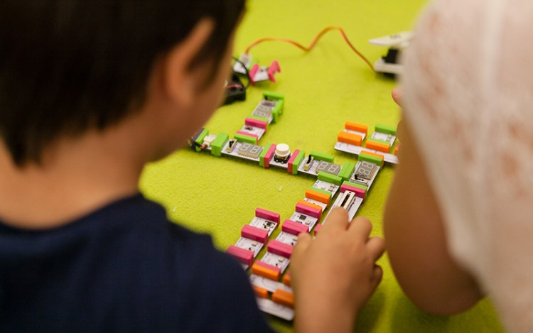 Inventa con LittleBits - Fablab for Kids