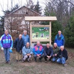 Alcuni dei volontari di Pro Natura che hanno contribuito al ripristino dell'edificio e degli spazi verdi circostanti