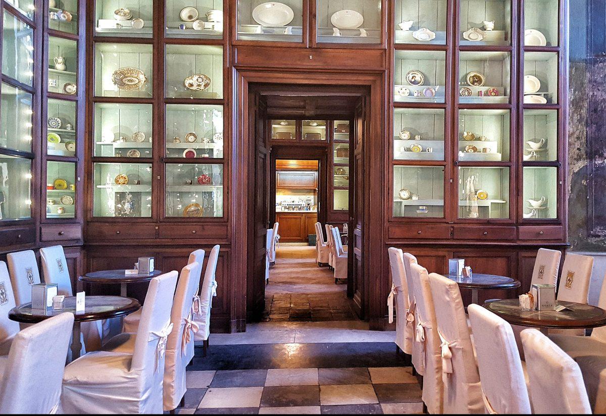トリノのカフェ巡り|トリノ王宮のカフェで優雅なひととき「PALAZZO REALE」