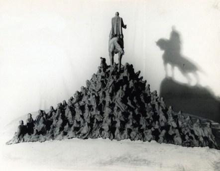 monumento 18