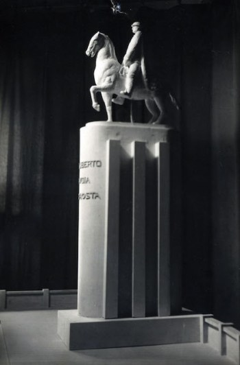monumento 21