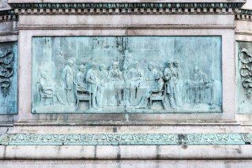 Nella successiva Pianta di Torino con la progettata Piazza Carlina, disegno tracciato del 1678, ormai tre anni dopo la morte di Carlo Emanuele, il nuovo architetto di corte, Michelangelo Garove, spinge l'ottagono decisamente più a sud: alla stessa latitudine di piazza San Carlo, tra le attuali vie Santa Teresa e Giolitti.