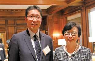 カナダ三菱東京UFJ銀行頭取の 浅田浩司氏とRBC執行役員 でもあるジャニス・フカクサ氏